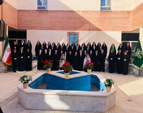 اجرای زیبای گروه سرود هیئت اخلاص به مناسبت دهه مبارک فجر
